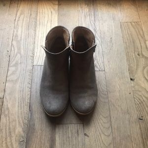 Lucky Brand Suede Shoes Size 7
